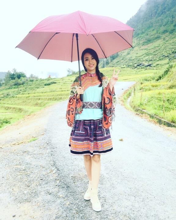Hoa hậu Mỹ Linh cho biết đây là lần đầu tiên cô tới Sapa. Mặc dù đã tìm hiểu kĩ về vùng đất này qua nhiều nguồn thông tin nhưng đứng trước những cảnh đẹp của nơi đây, Hoa hậu Việt Nam 2016 vẫn không khởi ngỡ ngàng.