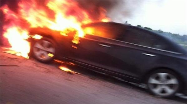 Cháy xe ô tô tại Cảng hàng không Quốc tế Nội Bài. Ảnh minh họa.