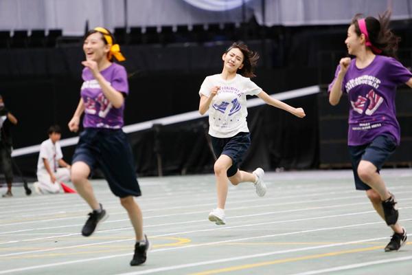 Không ít cáccô gái trường nữ sinh Nhật thừa nhận rằng nhữngtiết học Thể dục chẳng khác nào thảm họa.