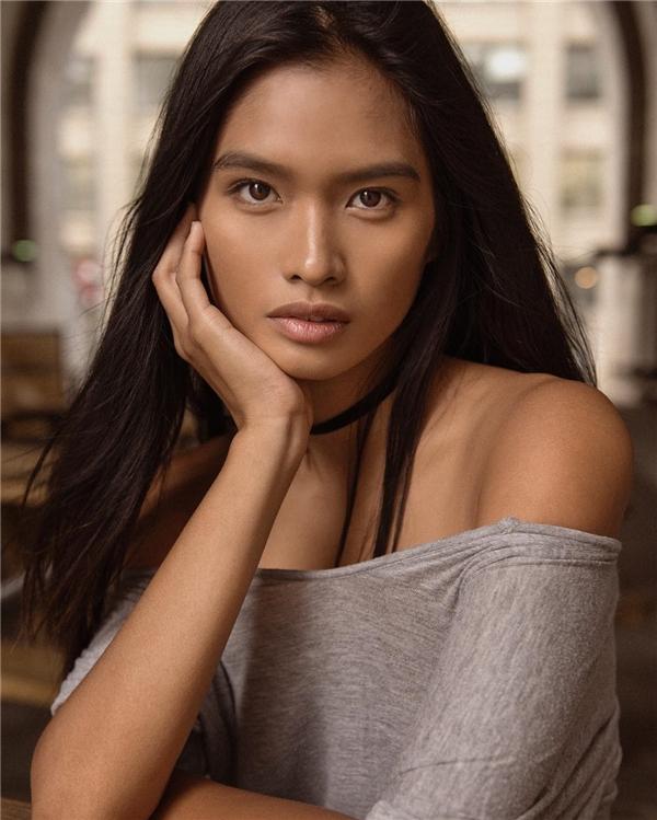 Châu Á sốt vì thiên thần Victoria's Secret người Philippines đầu tiên