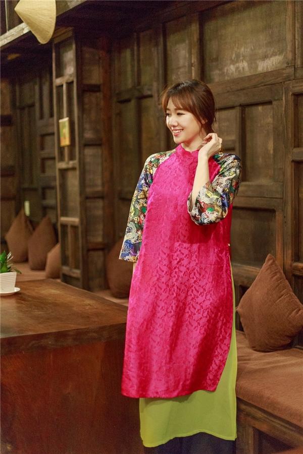 Hari Won cho biết, cô rất thích mặc áo dài vì đây là trang phục tôn lên vẻ đẹp nữ tính và dịu dàng của phụ nữ Việt Nam. - Tin sao Viet - Tin tuc sao Viet - Scandal sao Viet - Tin tuc cua Sao - Tin cua Sao