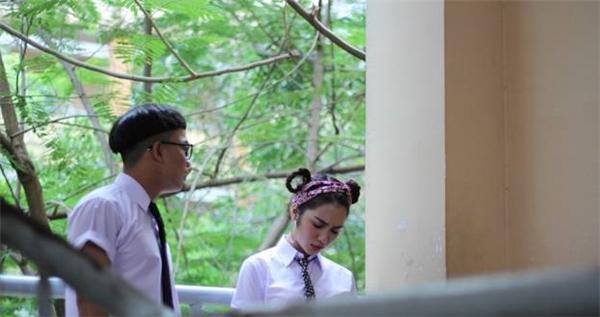 Hòa Minzy và Đỗ Duy Nam ngồi chung lớp học sau Gương Mặt Thân Quen