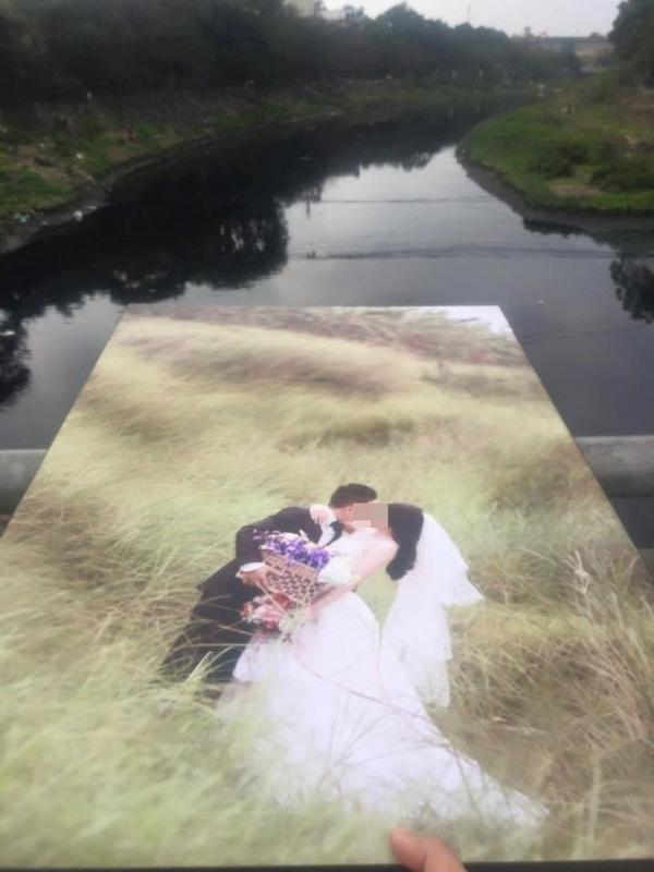 Bãi đáp tại bến sông... Những tấm ảnh cưới mang nhiều số phận trầmbổng,giống như tình yêu của chính chủ nhân.