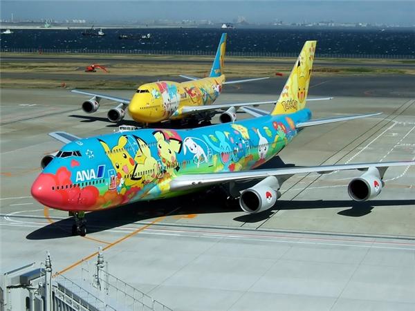 Vì sao máy bay thường được sơn màu trắng?