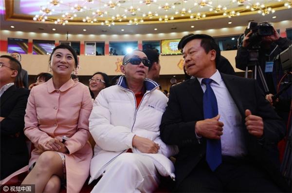 4 nàng tiểu thư nhà giàu vừa xinh đẹp vừa gợi cảm và lại còn độc thân ở Trung Quốc