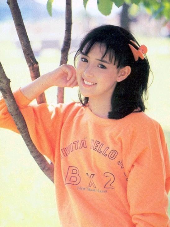 Vào những năm 1984, Lee Sang Ah nổi lên nhờ gương mặt khả ái và diễn xuất có hồn.