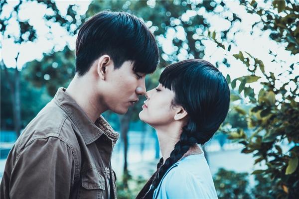 Cặp đôi có nhiều cảnh tình cảm trong phim. - Tin sao Viet - Tin tuc sao Viet - Scandal sao Viet - Tin tuc cua Sao - Tin cua Sao