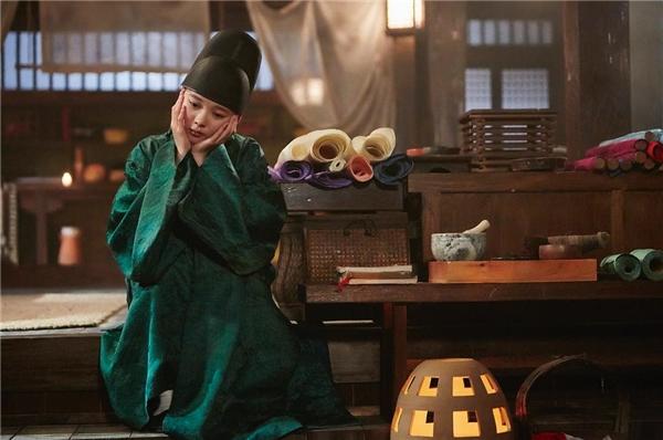 """Muôn vàn biểu cảm """"cute muốn xỉu"""" của tiểu thái giám Kim Yoo Jung"""
