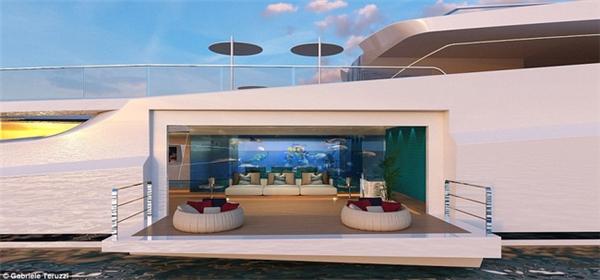 Khoang tàu dưới được thiết kế với diện tích gần 280m vuông với một thuỷ cung nhỏ ở chính giữa.