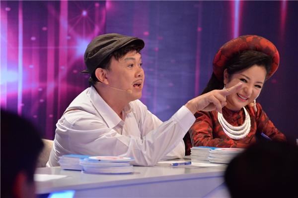 Đội Hiền Trang - Hoàng Mèo, do có thế mạnh về giọng hát nên giành được điểm tuyệt đối của ba giám khảo Cát Phượng, Chí Tài, Thúy Nga.