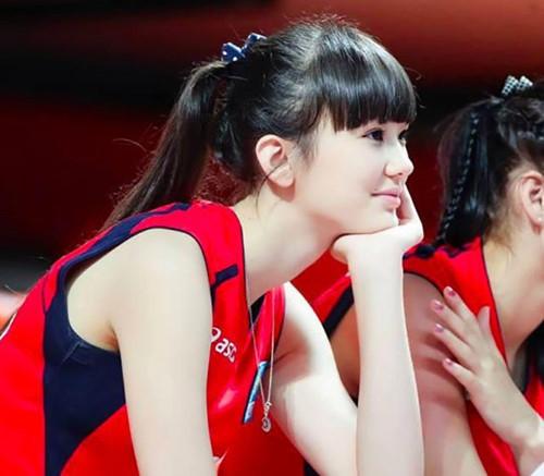 Vận động viên Sabina Altynbekova với vẻ đẹp không khác gì một nữ thần