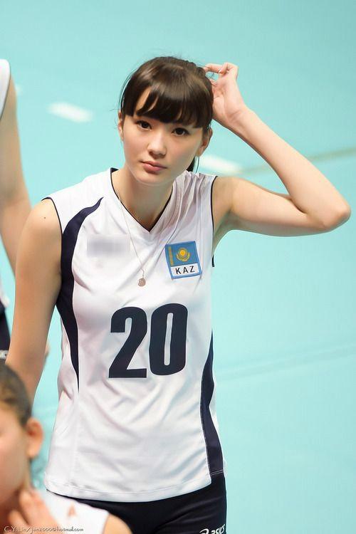 Mê mẩn trước vẻ đẹp tựa thiên thần của vận động viên bóng chuyền