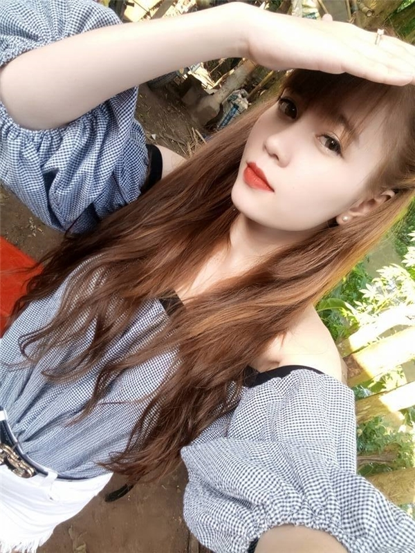 Không chỉ sở hữu gương mặtxinh đẹp, người yêu Hồ Gia Hùng còn có gu thời trang vô cùng sexy, hiện đại. - Tin sao Viet - Tin tuc sao Viet - Scandal sao Viet - Tin tuc cua Sao - Tin cua Sao