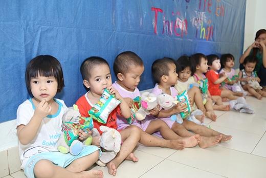 Lincoln Thúc Lĩnh mang Trung Thu Ấm đến 600 trẻ em nghèo quận Bình Tân