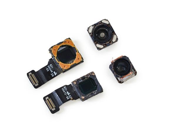 Tháo cụm camera kép. Tách riêng cả hai camera đều có cảm biến 12 MP, một để chụpgóc rộng và một còn lại đểchụp xa.(Ảnh: iFixit)