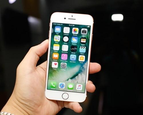 Mặt trước máy không có gì khác so với iPhone 6s. (Ảnh: internet)