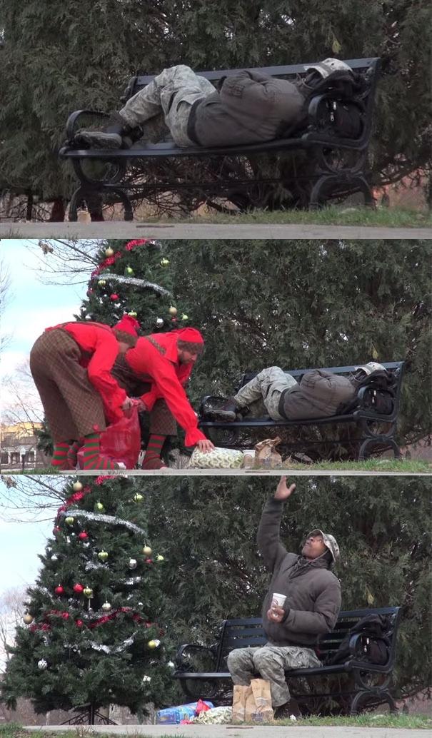 Người đàn ông vô gia cư đang cảm thấy hạnh phúc khi nhận được món quà bất ngờ vào ngày giáng sinh.