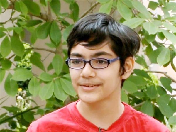 Nhận 3 bằng cao đẳng năm 11 tuổi, một năm sau, Tanishq Abraham trở thành sinh viên năm 3 ngành Kỹ thuật Y sinh tại Đại học California ở Davis. Ảnh: AP.