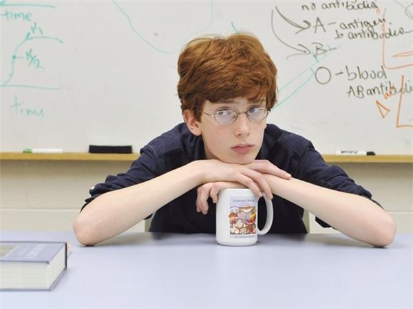 Colin Carlson trở thành sinh viên Đại học Connecticut năm 12 tuổi. Hiện tại, cậu theo học chương trình tiến sĩ tại Đại học California Berkeley. Ảnh: AP.