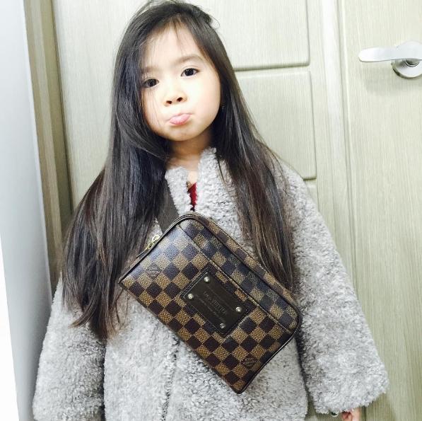 Đổ gục trước vẻ đáng yêu của thiên thần nhí lai Hàn và Philippines