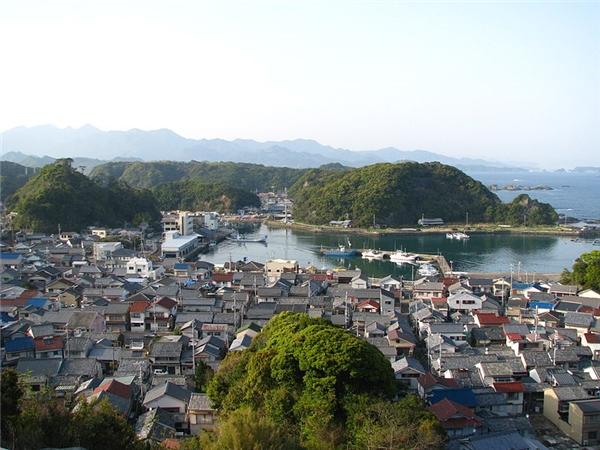"""Vùng biển thị trấn Taiji - điểm đến """"lí tưởng"""" của ngư dân Nhật Bản vào mùa săn cá."""
