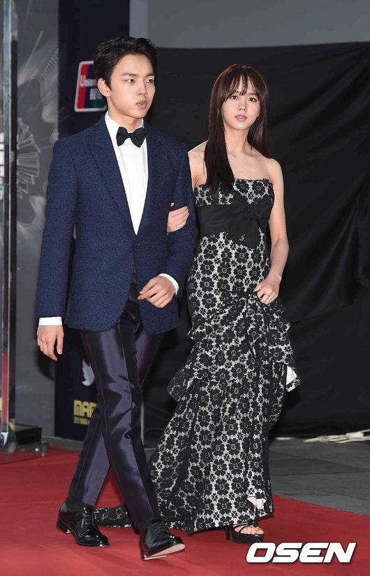Yeo Jin Goo và Kim So Hyun từng hợp tác trong I Miss You và gặp lại nhau vào cuối năm ngoái khi tham gia lễ trao giải MAMA 2015 tại Hồng Kông.