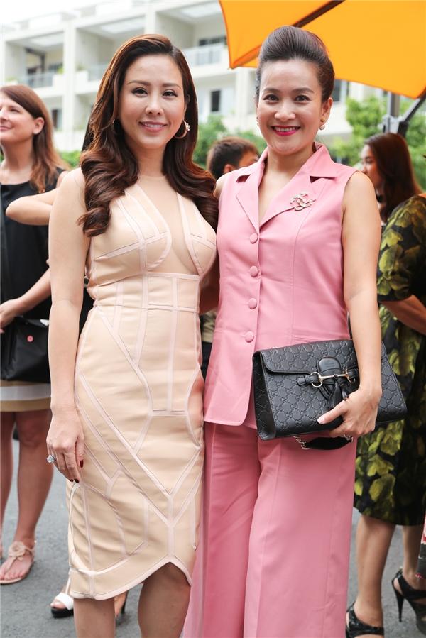 Hoa hậu Thu Hoài và Anh Thơ, bà xã của Bình Minh - đôi bạn thân thường hay tháp tùng nhau trong các sự kiện.