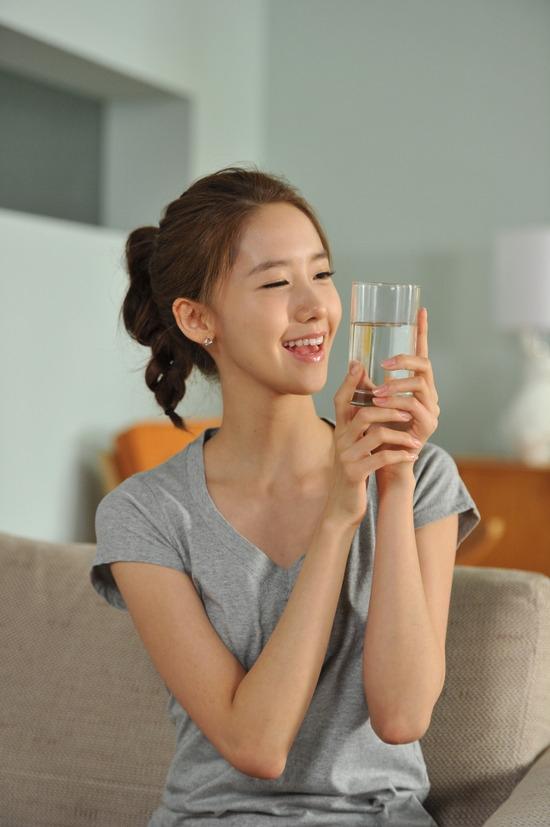 Một li nước trước khi đi ngủ sẽ giúp bạn dậy sớm hơn.