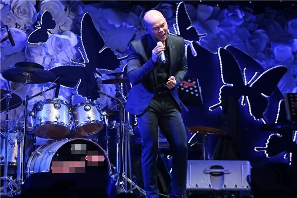 Phan Đinh Tùng tham gia trong đêm nhạc với 2 ca khúc Nửa hồn thương đau và Điều tôi có thể. - Tin sao Viet - Tin tuc sao Viet - Scandal sao Viet - Tin tuc cua Sao - Tin cua Sao