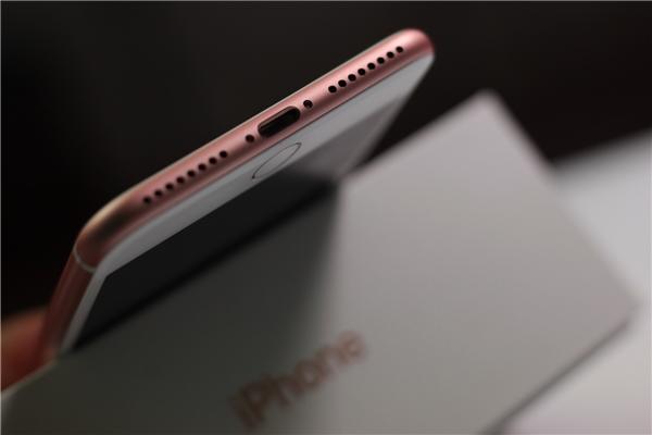 Soi từng chi tiết cặp iPhone 7 và 7plus hàng xách về từ Singapore