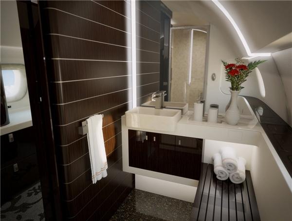 Phòng tắm còn có cả vòi hoa sen nữa.(Ảnh: Business Insider)