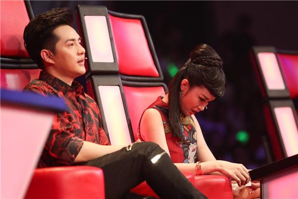 Đông Nhi khóc nức nở sau phần trình diễn của Kim Anh - Tin sao Viet - Tin tuc sao Viet - Scandal sao Viet - Tin tuc cua Sao - Tin cua Sao