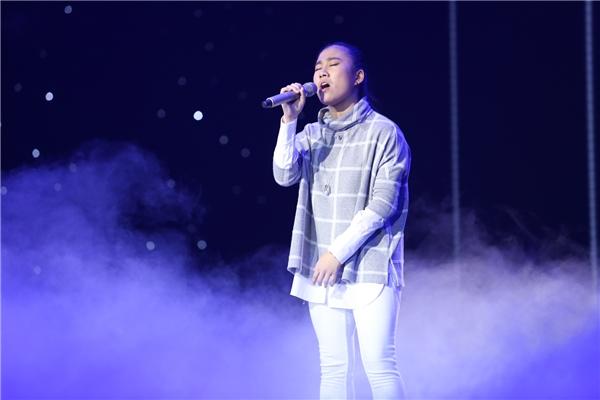 Vân Trang tiếp nối đêm thi với ca khúc Mùa Đông của Đinh Minh Ninh. - Tin sao Viet - Tin tuc sao Viet - Scandal sao Viet - Tin tuc cua Sao - Tin cua Sao