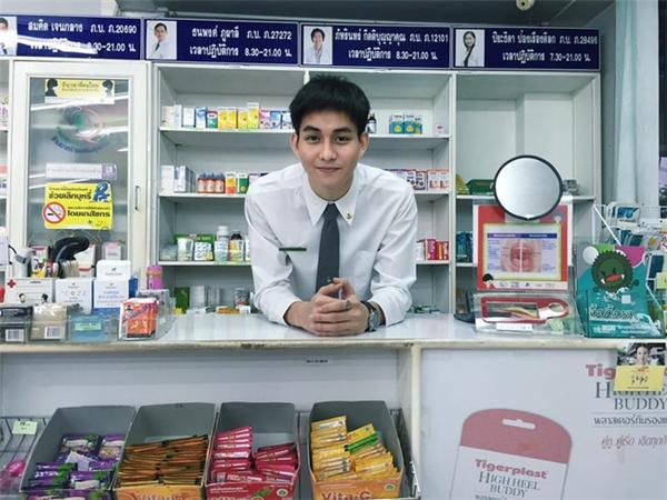 Dược sĩ đẹp trai nhất Thái Lan đây rồi!
