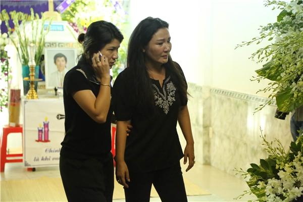 Từng có thời gian tham gia chung trong chương trình Gương mặt thân quen mùa thứ 2, Minh Thuận như người anh cả luôn lo lắng và hướng dẫn đàn em. - Tin sao Viet - Tin tuc sao Viet - Scandal sao Viet - Tin tuc cua Sao - Tin cua Sao