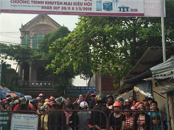 Xót xa nước mắt tiểu thương trắng tay sau đại hỏa hoạn chợ Bình Sơn