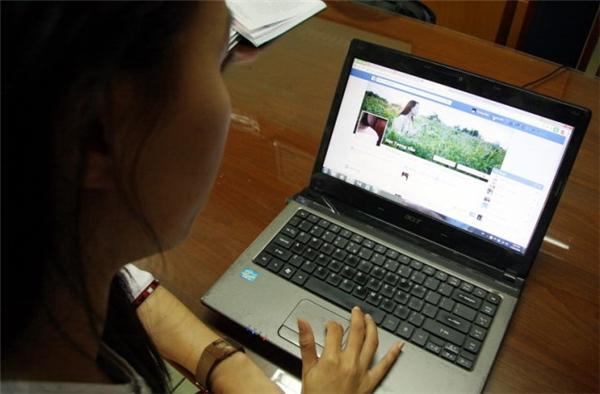 Cần phải biết tự bảo vệ thông tin cá nhân, hình ảnh khi tham gia mạng xã hội. (Ảnh Internet)
