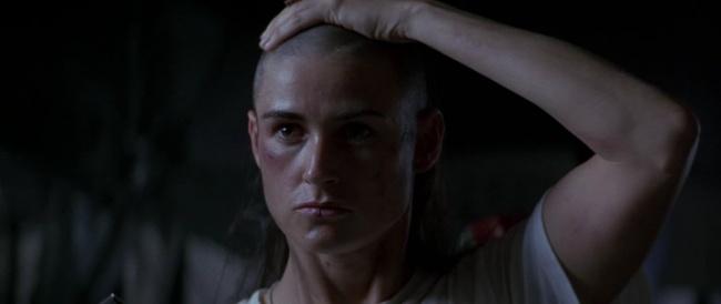 G.I. Janelà bộ phim hành động xoay quanh lực lượng đột kích mạnh nhất của Mỹ (SEAL)và cũng được coi là mạnh nhất trên thế giới. Quy địnhcủa lực lượng này là không chấp nhận nữ gia nhậpbởinhưngtrung uý Jordan O'Neil quyết tâm thử thách bản thân bằng cách tham giacuộc sát hạch đặc biệt tuyển chọn nữ binh lính đầu tiên cho lực lượng Hải quân Mỹ Navy Seal,một điều không tưởng vìngay cả những nam binh lính tinh nhuệ nhất cũng khó lòng vượt qua được cuộc sát hạch đó. Đây là một trong những số ít bộ phim khai thác sức mạnh tinh thần không giới hạncủa con người và đặc biệt là ở người phụ nữ.