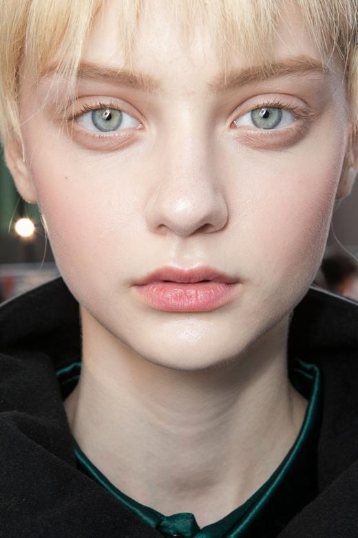 Cô gái là gương mặt đại diện cho nhiều thương hiệu thời trang danh tiếng.