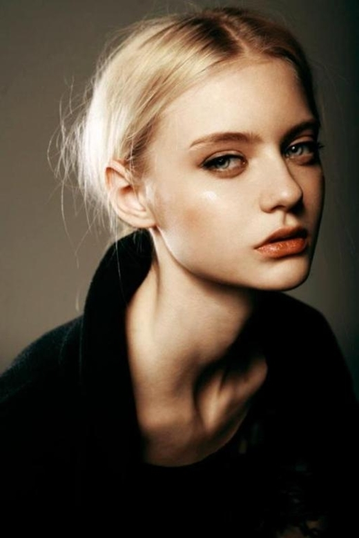 Ngất ngây trước vẻ đẹp đầy ma mị của siêu mẫu người Nga