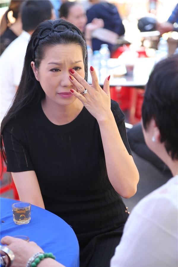 Á hậu Việt Nam 1994 Trịnh Kim Chi rơi nước mắt khi nhớ đến người đồng nghiệp đáng mến. Cô và Minh Thuận từng tham gia nhiều phim truyền hình. - Tin sao Viet - Tin tuc sao Viet - Scandal sao Viet - Tin tuc cua Sao - Tin cua Sao