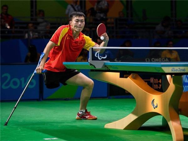 VĐV Trung QuốcShuo Yan giành chiến thắngcho nội dung bóng bàn đơn nam tạiRiocentro - Pavilion vào ngày 3 tháng 9 ở Paralympic2016. (Ảnh:Thomas Lovelock)