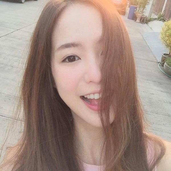 Khó ai có thể cưỡng lại vẻ đẹp trong sáng, thanh thiện của hotgirl đến từ Thái Lan này.