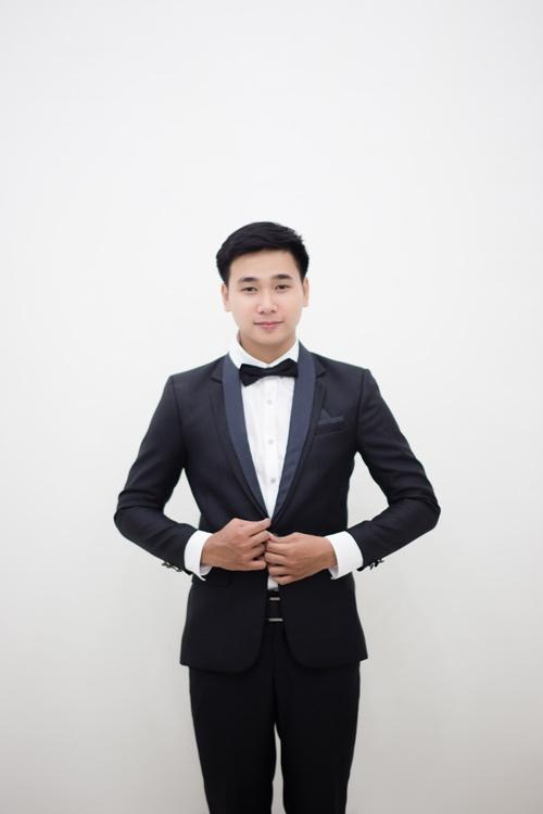 Quang Lộc - tác giả của ý tưởng cầu hôn bạn gái ngay trong đám cưới bạn. (Ảnh FBNV)