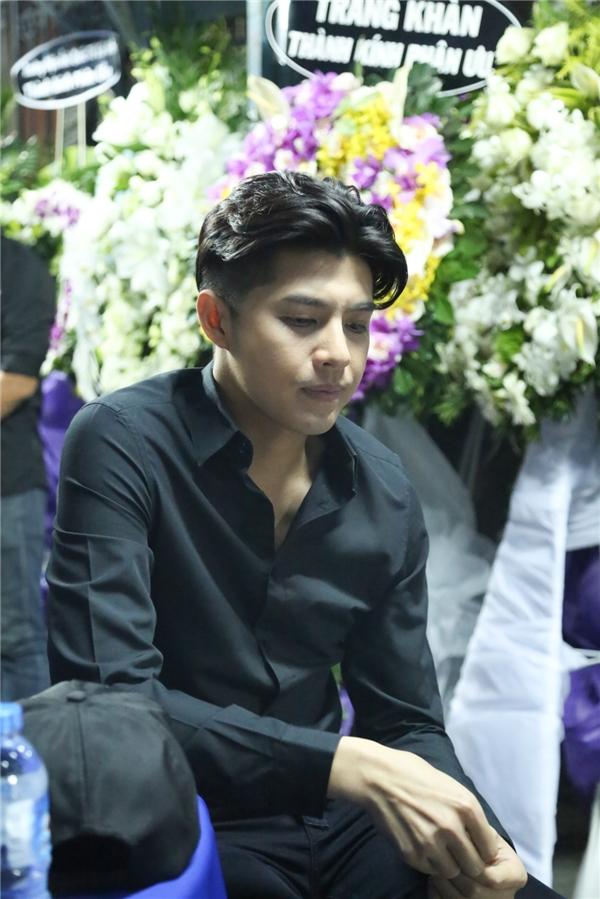 Noo buồn rười rượi, Lan Ngọc khóc ròng khi viếng Minh Thuận - Tin sao Viet - Tin tuc sao Viet - Scandal sao Viet - Tin tuc cua Sao - Tin cua Sao