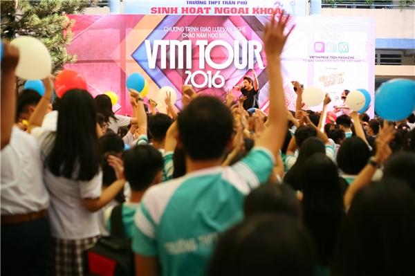 Teen THPT Trần Phú quẩy cực sung.