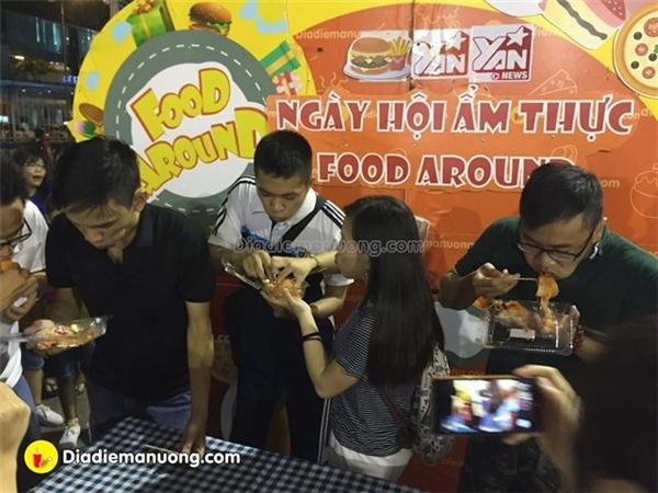 Ăn uống phủ phê tại ngày hội ẩm thực Ăn Vặt Học Đường