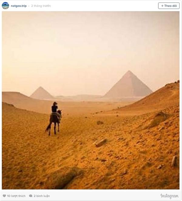 Kim tự tháp Giza (Ai Cập) bao trùm với những điều huyền bí, hấp dẫn du khách trên những hoang mạc trải rộng hút tầm mắt.