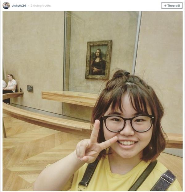 Bức họa Mona Lisa có thể là phông nền hoàn hảo để bạn có tấm hình selfie.