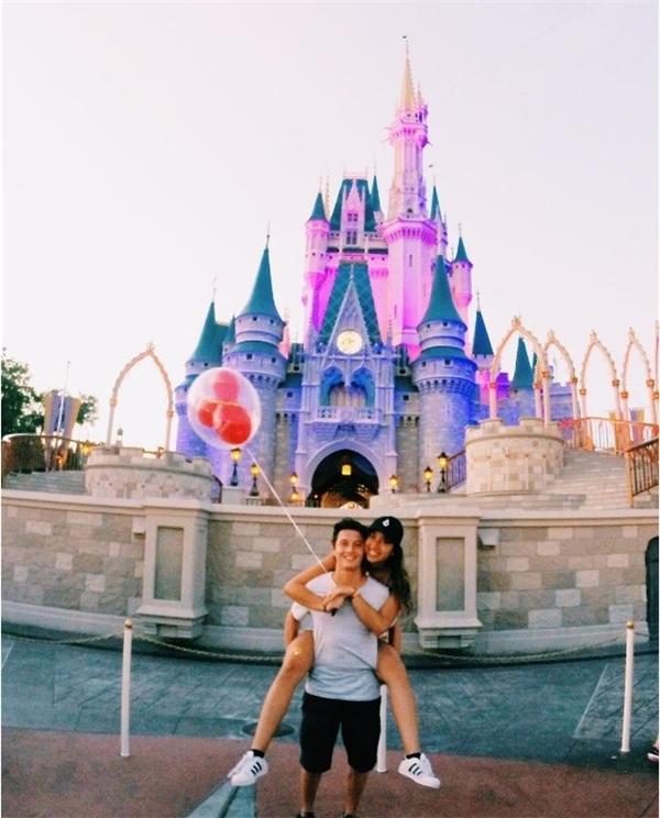 Disneyland là không gian phép thuật hàng đầu thế giới.